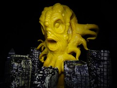 Hastur, The Yellow Sign (ridureyu1) Tags: toy toys actionfigure cthulhu lovecraft hplovecraft cthulhumythos toyphotography cosmichorror sandypetersen sonycybershotsonycybershotdscw690 cthulhuwars petersengames