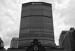 MetLife Monolith (Tyler Merbler) Tags: nyc usa clock skyscraper time grandcentralstation metlife panam parkavenue