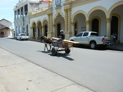 Columbia, removing wooden furniture on horse and cart, Colombia (rossendale2016) Tags: wood horse colombia furniture wheels columbia cart joined tyres removals