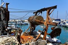 Jaffa harbour  4/5 (Pantchoa) Tags: jaffa port isral moyenorient telaviv nikon d7100 1685 bateau pche poulie matriel eau extrieur cte mditerrane rivage littoral pantchoa franoisdenodrest