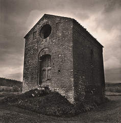 Ancient farmhouse (Antonio's darkroom) Tags: kodak trix hasselblad tuscany carbon eco ilford se1 mt3 mt2 moersch 4812 art300 pyrocathd thiourea