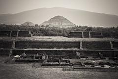 (Ivn Rubn) Tags: old light shadow brown luz caf monochrome sepia teotihuacan dream sombra nostalgia v viejo longing sueo contemplation monocromtico contemplacin impasible impasive
