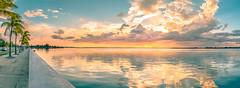Cienfuegos es la ciudad que ms me gusta a m - (julien.ginefri) Tags: sunset sol bay soleil cuba coucher bahia cuban puesta cienfuegos cubano cubain