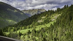 Valle d'Aragnouet (colinebuch) Tags: france montagne ciel valley nuages extrieur espagne pyrnes valle cloude frontire daragnouetbielsa