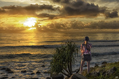 Sharing the sunrise (BAN - photography) Tags: ocean seascape girl grass hat composite clouds sunrise rocks waves surfers daybreak pandanus d810