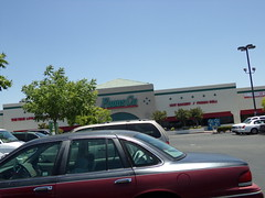 Foods Co Bakersfield, CA (COOLCAT433) Tags: ca st foods owned co haley bakersfield kroger 2505