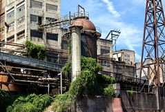 Abandoned (Jonathan Miske) Tags: architecture canon canon6d canonef70200mmf4lisusm canoneos6d clear day industrial oregon pacificnorthwest river summer usa unitedstates willametteriver oregoncity