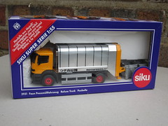 Siku Toys Germany Faun Refuse Truck Mint Boxed (beetle2001cybergreen) Tags: truck germany toys mint refuse boxed faun siku