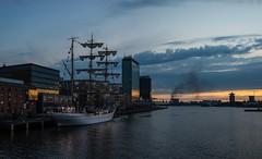 cuauhtemoc (petdek) Tags: sunset mexico harbor tallship cuauhtemoc