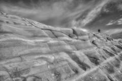 verso il cielo (mat56.) Tags: sky people panorama white black monochrome rock landscape monocromo landscapes persone cielo sicily antonio roccia paesaggi bianco nero sicilia paesaggio agrigento realmonte scaladeiturchi argilla calcare calcarea sedimentaria caporossello mat56 romei argillosa