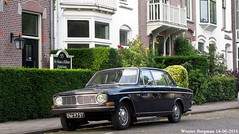 Volvo 144 S De Luxe 1969 (XBXG) Tags: auto old holland classic 1969 haarlem netherlands car vintage de volvo automobile sweden nederland s swedish voiture sverige paysbas luxe ancienne zweden 144 sude zweeds sudoise volvo144 dm9757