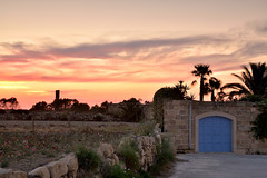 Windy sunset - HSS (Sizun Eye) Tags: blue sunset sky architecture rural palms landscape evening nikon gate colorful europa europe village wind farm malta bleu d750 paysage tamron malte gozo southerneurope hss 2470mm gharb sizun europedusud tamron2470mmf28 slidersunday lgharb nikond750 sizuneye