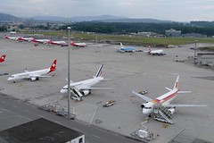 Airport ZRH Zurich Switzerland early in the morning 20160626 (roli_b) Tags: zrh airport zurich zürich flughafen aeroport aeropuerto zurigo am morgen frühmorgends sleeping early morning schweiz suisse switerzland suiza svizzera aircraft airplane flugzeug flieger avion aereo iberia airfrance airberlin klm britishairways ba