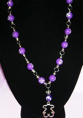 Bear (Gabriela Andrea Silva Hormazabal) Tags: hermoso elegante moda fashion necklace necklaces bijouterie joyeria diseo collar collares jewel jewelry chile violete violeta morado fino