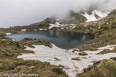 Estany Esbalat, Principat d'Andorra (kike.matas) Tags: canoneos6d kikematas canonef1635f28liiusm estanyesbalat ordino andorra andorre principatdandorra pirineos paisaje lago agua nature nieve nubes montaas canon lightroom4 arcals