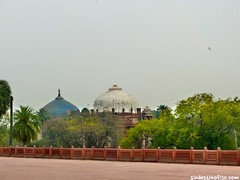 "Humayun, jardines • <a style=""font-size:0.8em;"" href=""http://www.flickr.com/photos/92957341@N07/8722108995/"" target=""_blank"">View on Flickr</a>"