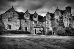 Madeley Court. (Yvette-) Tags: blackandwhite shropshire madeley madeleycourt nikond5100