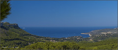 Baie de Cassis - Cassis bay (jyleroy) Tags: ocean sea mer france landscape lumix europe ctedazur panasonic paysage cassis mediterraneansea calanque mditerrane frenchriviera ocan mermditerrane mediterraneanlandscape baiedecassis fz200 cassisbay