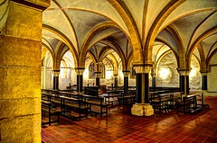 Einer der Krypten im Hohen Dom zu Trier (-BigM-) Tags: church photography fotografie dom kirche rheinland pfalz trier bigm trierer krypta crypta
