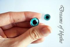 Ojos realistas azules