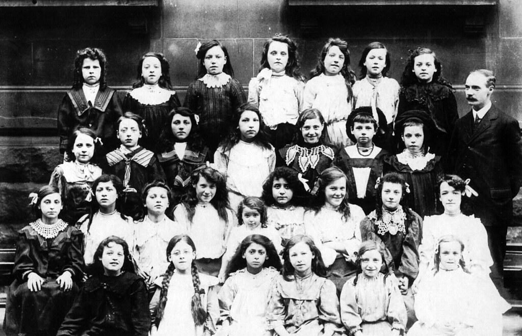 Abbotsford  School Photo Gorbals 1907