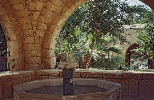 "350Zypern Ayia Napa Kloster • <a style=""font-size:0.8em;"" href=""http://www.flickr.com/photos/69570948@N04/13984547097/"" target=""_blank"">Auf Flickr ansehen</a>"