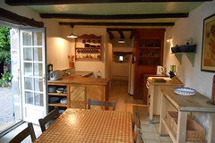 Strawberry Garden Cottage - kitchen-diner