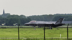 After the first flight of a F35 in the Netherlands (8) (John de Grooth) Tags: airplane nikon fighter bigma sigma strike bomber joint ot nato leeuwarden jsf jointstrikefighter f35 luchtmacht 50500mm straaljager frisianflag oefening verdrag piloot airbattle vliegbasis defensie j002 bommenwerper f002 vliegbasisleeuwarden d7000 gevechtsjager vliegoefening gevechtsjagers explorenr103linkahrefhttpbighugelabscomscoutphpusername33883444n08combined1relnofollowbighugelabscomscoutphpusername33883444n08combiajsf ca78euro 78miljoeneuro