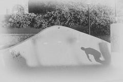 Edu Patino (Guilleont) Tags: park shadow white black blanco skateboarding negro wave sombra skatepark shade skate ola cantabria patin loredo somo