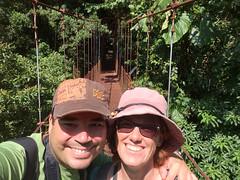 """La Réserve de Monteverde: le pont suspendu. Pura vida ! <a style=""""margin-left:10px; font-size:0.8em;"""" href=""""http://www.flickr.com/photos/127723101@N04/26671559000/"""" target=""""_blank"""">@flickr</a>"""