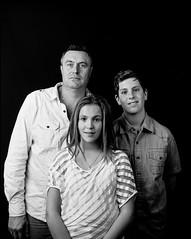 Titi, Pierre et JAde (Denis G.) Tags: 8x10 rodinal chambre largeformat viewcamera 2016 ilko foma100 3009 20x25