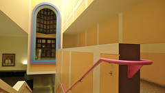 James Stirling: Glore Gallery, Tate Britain, London (Winfried Scheuer) Tags: pink building yellow wall architecture postmodern fenster stage rosa haus gehry disney graves treppe staircase railing theatrical filmset gelnder jencks