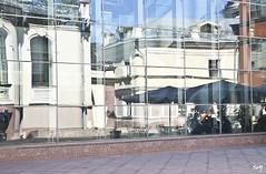 Reflejos... (svet.llum) Tags: arquitectura edificio ciudad reflejos rusia mosc