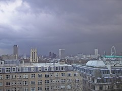 Maughan Library view (Gary Kinsman) Tags: kingscollegelondon maughanlibrary kcl 2006 london chancerylane wc2 cityoflondon tower highrise officeblock studyroom stdunstaninthewest kenthouse londoneye millbanktower upstreambuilding shellcentre cloud dark stormbrewing skyline cityscape architecture kingsreachtower