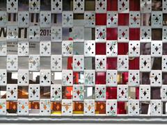 Vorbergehend geschlossen! (MKP-0508) Tags: vienna wien street grid austria pattern streetlife rue locked muster vienne gitter ferm geschlossen strase