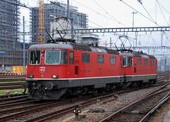 Zrich HB 28.09.2014 (The STB) Tags: train eisenbahn railway sbb hauptbahnhof zrich bahn hb ffs cff re44ii