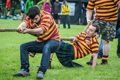 Tug O' War (FotoFling Scotland) Tags: scotland kilt argyll rope jeans event lochlomond highlandgames luss tug0war lusshighlandgames lussgathering