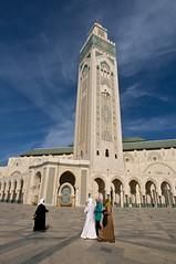 Moschea Hassan II - Casablanca (rosella sale) Tags: africa casablanca marocco moschea minaretto moscheahassanii archi colonnato hijb donneconijb culto religione islam fotorosellasale rosellasale
