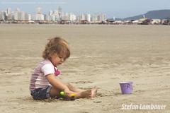 Catharina (Stefan Lambauer) Tags: brazil baby praia beach brasil kid infant br sopaulo santos gonzaga 2014 catharina stefanlambauer