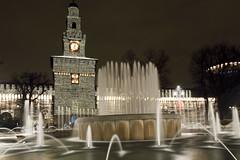 Castello by night (Roberto_ Leoni) Tags: city milan fountain italia milano nightphoto acqua fontana castello sforzesco lombardia architettura città fotonotturna piazzacairoli arredamentourbano