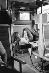 Viaggiatori in relax (Ferrovie dello Stato Italiane) Tags: turismo stazione treno viaggio emigranti turisti stato trenitalia treni dello ferrovie viaggiatori