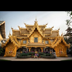 Golden Public Toilets. (CanvasOfLight) Tags: white public thailand temple gold golden asia wat khun toilets chiangrai rong flickrandroidapp:filter=none