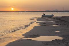 Atardecer en Es Trenc (Victoria de Bonilla) Tags: sunset beach atardecer playa mallorca palma