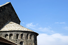 Sant Pere de Caserres (melibeo) Tags: sky art monument architecture arquitectura arte monumento sony frieze friso monastery cielo monasterio apse bside sonyalpha