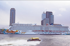 11jan2014 024 (1) (marc.schilder) Tags: rotterdam getaway norwegian cruiseship maas meuse