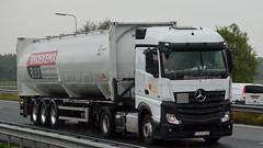 B - Dalga Trans >Broekema Bulk< MB New Actros 1942 Streamspace (BonsaiTruck) Tags: silo camion trucks mb lag bulk lorries lkw dalga actros citerne broekema powdertank streamspace