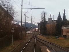 Zollbrück - Ausfahrt nach Langnau (Thomas Neuhaus) Tags: schweiz eisenbahn signal emmental weiche führerstandsfahrt handweiche hauptsignal sbahnbern zollbrück signalsysteml fahrbegriff1