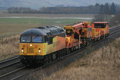 Colas Railfreight 56078 with 6Z56 Aviemore Speyside to Mossend (60044) Tags: train grid diesel crane engine class aviemore 56 hydraulic speyside colas forteviot railfreight 56078 mossend kirow 6z56 krc1200uk