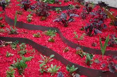 Chaumont-sur-Loire (Loir-et-Cher) (sybarite48) Tags: red france rot garden rouge rojo jardin vermelho jardim tuin bahe rood rosso garten  giardino jardn   loiretcher  czerwony  krmz ogrd    chaumontsurloire