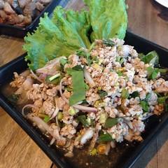 ลาบหมู | Spicy Minced Pork Salad @ บาร์สถาปนิก | Bar Stapanik